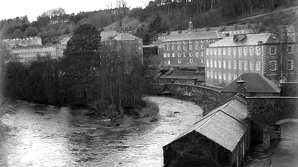 Old photo of the cotton mills of New Lanark