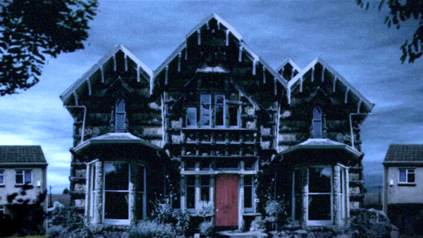 Still from Meat the Campbells showing a house