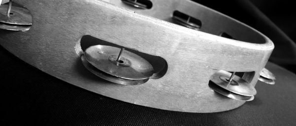 Photo close up of a tambourine