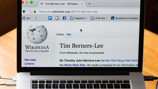 Photo of the Tim Berners-Lee wikipedia page